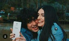 Resultado de imagen para mert y eylul mas yaman y mira Love Hug, Turkish Actors, Street Wear, Illustration Art, Romance, Couple Photos, Celebrities, Instagram, Cami