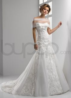 fit and flare wedding dresses | ... Tulle A-line Scoop Neckline Fit and Flare Wedding Dress - Bupop.com