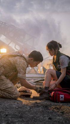 Descendants of the Sun Wallpapers for iPhone - Apple Lives Popular Korean Drama, Korean Drama List, Song Hye Kyo, Kdrama, Korean Wallpaper, Song Joong Ki Cute, Les Descendants, Decendants Of The Sun, Sun Song