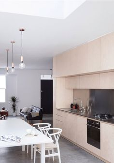 This maisonette recently converted into minimalist home around a plywood kitchen is a great example of successful renovation and extension Kitchen Interior, New Kitchen, Interior Design Living Room, Plywood Kitchen, Victorian Terrace House, Plywood Boxes, Plywood Furniture, Küchen Design, Minimalist Home