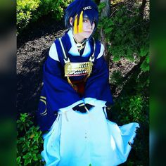 I really like this shot it was so hard posing like this because the dirt was wet and was dirtying my bottom skirt so i had to crouch in a way to make it look like i was kneeling and that WAS NOT easy. #cosplay #anime #animecosplay #manga #mangacosplay #male #malecosplay #malemakeup #bishie #bishonen #yaoi #yaoicosplay #nycc #selfie #contest #mikazukimunechika #mikazuki #comiccon #mikazukicosplay #toukenranbu #toukenranbucosplay #japanese #kimono