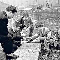 Bert Hardy. Young men gambling