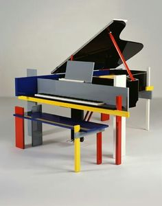 Bauhaus piano!