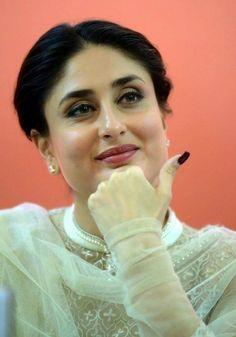 So Beautiful Kareena Kapoor <3