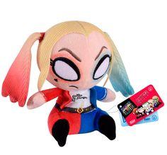 Peluche Harley Quinn 12 cm. Escuadrón Suicida. Línea Mopeez. Funko  Para los fans del film de 2016 Escuadrón Suicida la compañía Funko nos presenta este logrado y suave peluche aterciopelado del personaje llamado Harley Quinn de 12 cm y 100% oficial y licenciado. Es perfecto como regalo para cualquier fan.