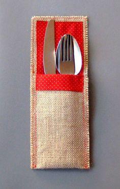 Bolsa de arpillera para los cubiertos. tela de arpillera mide 41 cm x 9,5 cm, Rojo... 5cm centímetros mas largo que el otro y  con 1,5 cm menos de ancho.