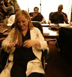 Jessica Capshaw nos bastidores da 8ª temporada