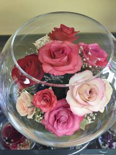 Eternity Roses REAL roses Gifts for her Gifts for him Couple Gifts For Her, Gifts For Him, Valentine Baskets, Valentine Gifts, Valentine Decorations, Flower Decorations, Rose Color Meanings, Roses For Her, Small Flower Arrangements