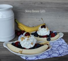 These skinny banana splits are seriously amazing! Fun way to curb that sweet tooth when you're on a diet!