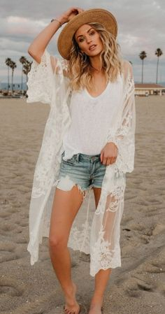 beach outfit Lace Cardigan Beach Cover Up Boho Boho Outfits, Cardigan Outfits, Spring Outfits, Fashion Outfits, Boho Chic Outfits Summer, Cardigan Outfit Summer, Bohemian Outfit, Beach Outfits, White Cardigan