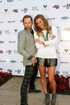 i love courtney kerr's fashion and on the show Most Eligible Dallas!!