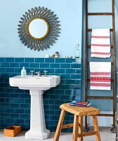 Eclectic bathroom with teal brick tiles. It looks thrown together but thought-out all at the same time. The bright teal blue, brick-shaped tiles provide a solid focus point, while the accessories are a little chaotic and fun. Eclectic Bathroom, Modern Bathroom, White Bathroom, Cream Bathroom, Light Bathroom, Bathroom Interior, Bad Inspiration, Bathroom Inspiration, Brick Tiles Bathroom