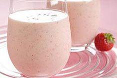 Low-Fat Strawberry-Banana Yogurt Smoothie recipe