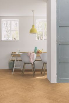 [New] The 10 Best Home Decor (with Pictures) - The dining room is where you want to relax and enjoy a nice cup of coffee or a delicious meal. Create a peaceful yet sophisticated interior with the Select oak natural Vinyl flooring. Vinyl Flooring Kitchen, Oak Hardwood Flooring, Luxury Vinyl Flooring, Luxury Vinyl Tile, Home Design Diy, Quick Step Flooring, Dining Room Inspiration, Luxury Interior Design, Hygge