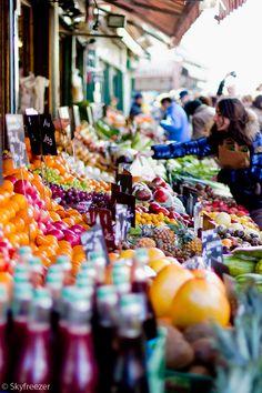 Naschmarkt in Wien - muss unbedingt mal hin! sehr vielfältiger Markt, am Abend Gastronomie