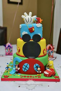 Mickey Mouse Clubhouse cake - *