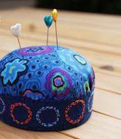 Tutorial - How to Make a Pincushion with a Jar Lid - #pincushion, tutorial
