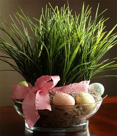 Don't you just love this Easter centrepiece. If you don't want to use artificial grass for your centrepiece you can substitute with wheat grass, or other lush grass variety that you find at your local garden centre or nursery. http://www.home-dzine.co.za/crafts/craft-eastercp.htm#