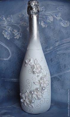 """Свадебные аксессуары ручной работы. Оформление свадебной бутылки """"Лунный цветок"""". Lesya. Интернет-магазин Ярмарка Мастеров. Свадебные аксессуары Wrapped Wine Bottles, Wine Bottle Vases, Bottle Centerpieces, Glass Bottle Crafts, Painted Wine Bottles, Lighted Wine Bottles, Diy Bottle, Perfume Bottles, Bridal Wine Glasses"""