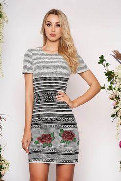 Reduceri rochii -70% - preturi reduse - Rochii Romania The Dress, Interior, Floral, Sweet, Dresses, Fashion, Vestidos, Moda, Gowns