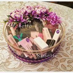 Indian Wedding Gifts, Creative Wedding Gifts, Desi Wedding Decor, Home Wedding Decorations, Engagement Decorations, Wedding Crafts, Wedding Hamper, Wedding Gift Baskets, Wedding Gift Boxes