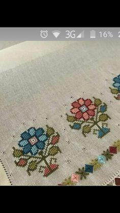 Cross Stitch Rose, Cross Stitch Flowers, Cross Stitch Patterns, Embroidery Stitches, Embroidery Designs, Palestinian Embroidery, Art N Craft, Loom Beading, Blackwork