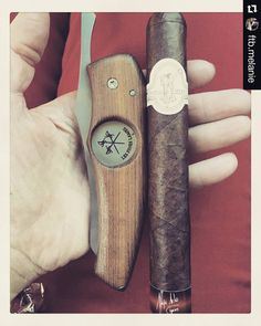 Good choice of cigar! Great pic and thanks for the testimony Melanie!  Get your own #Cigarknife follow the link in bio.  #Repost @ftb.melanie with @repostapp  Time for a Flor De Selva Maduro toro. A nice clean cut with my @lesfineslames! Happy Sunday! @mayaselvacigars
