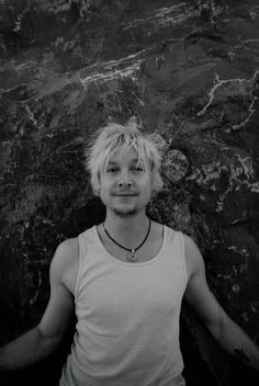 Samu Haber is from Finland and has a band called Sunrise Avenue that i love. A lot. And i call him a Viking. Ain't that cute? ;-)