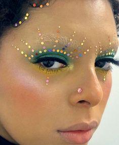 Edgy Makeup, Makeup Eye Looks, Eye Makeup Art, Crazy Makeup, Pretty Makeup, Makeup Inspo, Makeup Inspiration, Hair Makeup, Minimalist Makeup
