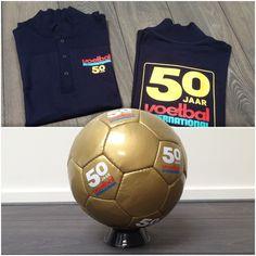 Alle gouden ballen verzamelen! Voetbal International bestaat maar liefst 50 jaar.   Ter viering van dit gouden jubileum heeft Innopess deze prachtige bedrukte poloshirts en gouden voetballen mogen leveren.  Van harte gefeliciteerd Voetbal International!