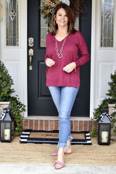 I did manage to take a little time to get a few photo's taken this past weekend, and speaking of weekend, today I'm sharing a Simple Casual Weekend Wear outfit. Mom Outfits, Casual Outfits, Fashion Outfits, Spring Outfits, Casual Weekend, Weekend Wear, Sweaters And Jeans, Casual Sweaters, Casual Mom Style