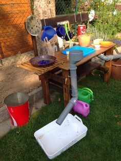 Here I show you a self-built mud kitchen for the garden. Best regards Tanja … - All About Garden Projects, Projects For Kids, Diy For Kids, Outdoor Fun, Outdoor Decor, Mud Kitchen, Maila, Water Walls, Backyard For Kids