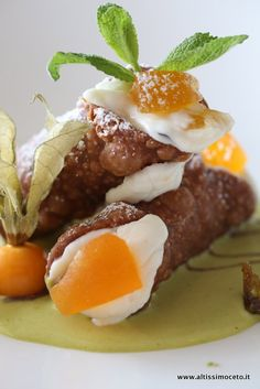 Sicilian cannoli with pistachio sauce ~ photo only