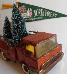 Vintage Toy truck & bottle brush trees  I wish this were mine...