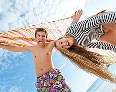 Pachetul este pentru 2 persoane si include bilet de avion cursa directa Bucuresti – Mallorca – Bucuresti, taxele de aeroport, transfer aeroport – hotel – aeroport, 7 nopti cazare in camera dubla, cu pensiune completa, la Hotel Sol Antillas Barbados 4*, Magalluf, excursie de jumatate de zi (Mallorca Autentica), asistenta turistica locala si asigurare medicala.  Plecare: 24 aprilie 2013.
