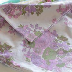 taie traversin bouquet violet vintage