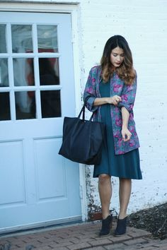 Emerald maternity dress with floral jacket. Maternity Outfit Ideas.