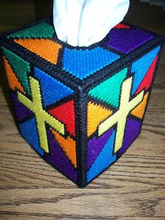 stained glass tissue box cover - plastic canvas