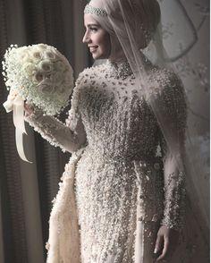 53 Ideas Bridal Muslim Style For 2019 Muslim Wedding Gown, Muslimah Wedding Dress, Muslim Wedding Dresses, Muslim Brides, Wedding Hijab Styles, Bridal Hijab, Bride Gowns, Marie, Nigerian Weddings