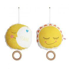 Ava&Yves Spieluhr Sonne/Mond online kaufen ➜ Bestellen Sie Spieluhr Sonne/Mond für nur 34,90€ im design3000.de Online Shop - versandkostenfreie Lieferung ab 50€!