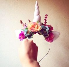 Tiara de unicórnio com orelhas e flores