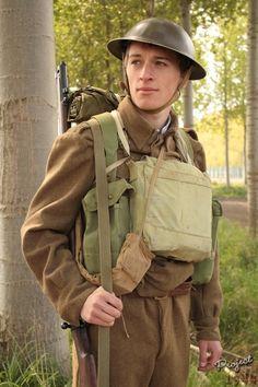 British Infantry 1940 British Army Uniform, British Uniforms, Ww2 Uniforms, British Soldier, Commonwealth, British Armed Forces, Army Infantry, Army Girlfriend, Man Of War