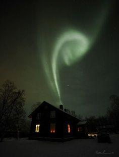 Northern Lights | Aurora Borealis Finland Photo by Pekka Sammallahti