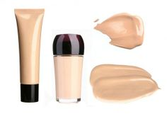 It's vital to choose the right shade of concealer for you. This is to let it blend easily with your skin tone.
