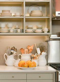 北欧キッチンカ用品収納例・小物のツールは挿して収納 ★まとめサイトのだから使えない