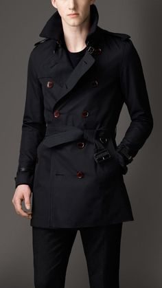Mid-Length Cotton Gabardine Trench Coat by Burberry - Always impressed with Burberrys great designs Trench Coat Men, Burberry Trench Coat, Burberry Men, Herren Outfit, Men Street, Mens Fashion, Fashion Outfits, Well Dressed Men, Stylish Men