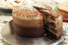 tort tiramisu Tiramisu Mascarpone, Dessert Recipes, Desserts, Cake Decorating, Cheesecake, Muffin, Food And Drink, Cooking Recipes, Pudding