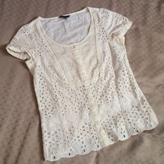 Eyelet Cap Sleeve Blouse 100% cotton, sweet blouse to wear with a versatile wardrobe. No rips or stains, beautiful lace pattern American Eagle Outfitters Tops Blouses