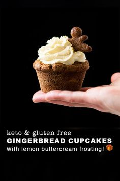 Expect these keto gingerbread cupcakes to be deeply spiced and beautifully aromatic! Plus, particularly killer with a fresh lemon buttercream frosting. Sugar Free Desserts, Low Carb Desserts, Cupcake Recipes, Dessert Recipes, Cupcake Ideas, Cookie Recipes, Gingerbread Cupcakes, Gluten Free Gingerbread, Gingerbread Houses