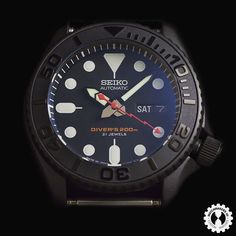 Buying The Right Type Of Mens Watches - Best Fashion Tips Stylish Watches, Casual Watches, Luxury Watches For Men, Cool Watches, Seiko Skx007 Mod, Seiko Mod, Best Looking Watches, Tourbillon Watch, Seiko Diver